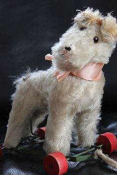 ANTIQUE FOX TERRIER DOG TRATTLER ON WHEELS 30s JOINTED TAIL STEIFF CHIEN OURS +