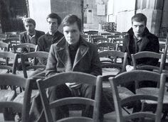 Joy division Gothic Rock, Dark Gothic, Music Icon, My Music, Music Is Life, No One Loves Me, Cool Bands, Joy Division, Music Videos