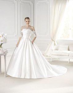 ERUN wedding dress from the Costura 2015 - La Sposa collection La Sposa Wedding Dresses, Cheap Wedding Dress, Elegant Ball Gowns, Unconventional Wedding Dress, Wedding Dress With Pockets, Dress Pockets, Bridal Dresses Online, Princess Ball Gowns, Mini Vestidos