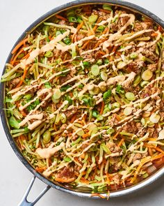 Bagged slaw makes this a cinch to make. Eggroll In A Bowl, Low Carb Lunch, Egg Rolls, Whole 30 Recipes, Cookies Et Biscuits, Carne, Meal Prep, Meal Planning, Chicken Recipes