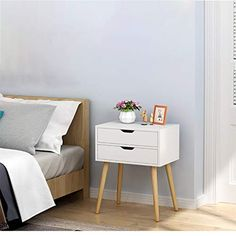 Bedside Table Design, Modern Bedside Table, Vintage Nightstand, White Nightstand, Bedside Tables, Wood Nightstand, Nightstand Ideas, Small Accent Tables, Small End Tables