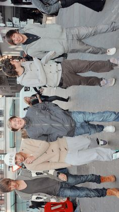 one direction lockscreens Fetus One Direction, One Direction Lockscreen, One Direction Images, One Direction Wallpaper, One Direction Humor, I Love One Direction, One Direction Photoshoot, Direction Quotes, Zayn Malik