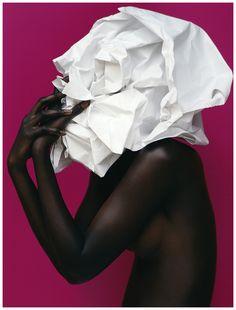 Arjowiggins skin paper Photo Koto Bolofo f Sous la peau