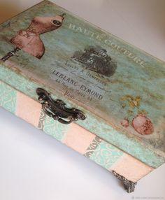 Decoupage Box, Decoupage Vintage, Vintage Crafts, Vintage Paris, Vintage Box, Altered Boxes, Altered Art, Shabby Boxes, Craft Bags