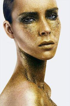 Gold Dust on Makeup Arts Served Gold Makeup, Makeup Art, Beauty Makeup, Makeup Inspo, Gold Sparkle, Gold Glitter, Cool Makeup Looks, Gold Everything, Gold Face
