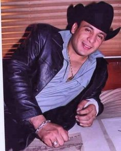 #ValentinElizalde #Elgallodeoro #ValentinElizaldePorSiempre ...- #ValentinElizalde #Elgallodeoro #ValentinElizaldePorSiempre #DinastiaElizalde  #ValentinElizalde #Elgallodeoro #ValentinElizaldePorSiempre #DinastiaElizalde   -#lastminutevalentinedaygifts #valentinedaygiftsbox #valentinedaygiftscrafts #valentinedaygiftsfordad #valentinedaygiftsforgirls #valentinedaygiftsfromhim #valentinedaygiftshomemade #valentinedaygiftsromantic Cat Valentine, Valentine Day Gifts, Skullgirls Valentine, Gifts For Girls, Gifts For Dad, Cupcakes San Valentin, Aesthetic Pictures, Wall Collage, Cool Stuff