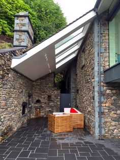 house-at-grasmere-external-seating-area-with-fires_480x640.jpg 480×640 pixels