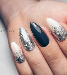 22 total noble Nageldesigns, um diesen Winter 2019 zu rocken - Mode Und Outfit Trends 22 totally classy nail designs to rock this winter 2019 de arte de uñas Nail Art Designs, Classy Nail Designs, Winter Nail Designs, Classy Nails, Stylish Nails, Cute Nails, My Nails, Prom Nails, Wedding Nails