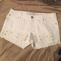 Express shorts These cute express shorts have hardly been worn and are incredibly comfortable! Don't forget to bundle to save even more!!! Express Shorts Jean Shorts