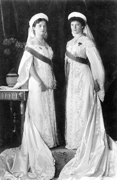 Grand Duchess Olga Nikolaievna and Grand Duchess Tatiana Nikolaievna of Russia