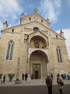Verona Italy, Going On Holiday, Vatican City, Santa Maria, Italy Travel, Barcelona Cathedral, Taj Mahal, Explore, Adventure