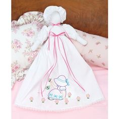 Shop for Stamped White Pillowcase Doll Kit-Chicken Scratch Hearts. Get free delivery On EVERYTHING* Overstock - Your Online Sewing & Needlework Shop! Types Of Embroidery, Ribbon Embroidery, Embroidery Patterns, Decorative Hand Towels, Decorative Boxes, Snowflake Embroidery, Chicken Scratch Embroidery, Needlework Shops, Vine Design