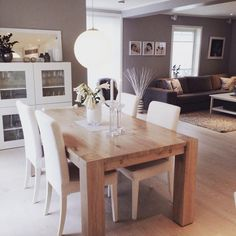 Beautiful table and chairs Dinning Table Wood, Dinning Table Design, Ikea Mud Room, Small Dining Sets, Home Interior, Interior Design, Beige Living Rooms, Dinner Room, Sweet Home
