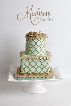 Wedding cakes - Beautiful Sea foam and gold Cake Made by Madison's on Main Gorgeous Cakes, Pretty Cakes, Amazing Cakes, Mint Wedding Cake, Wedding Cakes, Gold Wedding, Wedding Topper, Beautiful Cake Pictures, Foto Pastel