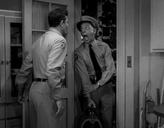 Andy was trying to get Barney out the door before Aunt Bee realizes the guys have packed up her kerosine pickles to get rid of & Andy accidently slams Barney's arm in the kitchen door Barney Fife, Don Knotts, Tv Icon, The Andy Griffith Show, Old Shows, Great Tv Shows, I Love Lucy, Old Tv, Interesting Faces