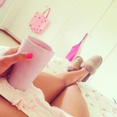 i wish i could relax like this. Sweet Little Things, Just Girly Things, Girl Things, Girly Stuff, Girls World, Girls Life, Typical Girl, Rest And Relaxation, Relaxing Day