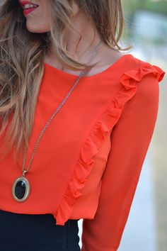 FAUX FUR BEADED COAT | Mi aventura con la moda Work Fashion, Hijab Fashion, Trendy Fashion, Fashion Dresses, Womens Fashion, Casual Dresses, Casual Outfits, Hijab Style, Orange Blouse