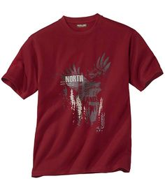 T-Shirt in Weinrot: Dieses T-Shirt in edlem Weinrot verwöhnt Sie mit seinem wunderbar angenehmen Jersey, der weich und anschmiegsam auf der Haut liegt.  http://www.atlasformen.de/products/neue-kollektionen/im-herzen-der-highlands/t-shirt-in-weinrot/44781.aspx