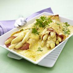 Unser beliebtes Rezept für Gratinierte Spargel-Crespelle mit Käse-Bechamel und mehr als 55.000 weitere kostenlose Rezepte auf LECKER.de.
