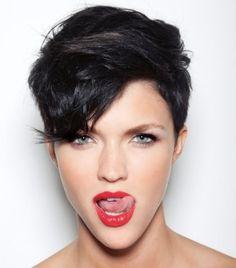 Foto gallery tagli capelli corti donna 2014