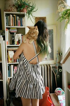 Girls And Their Cats: Photographer Captures New York Women With Their Furry Companions