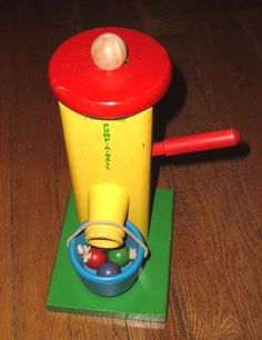 Vintage Playskool Wooden10 Inch Pump-a-Ball Toy Well Pump with Bucket & 4 Balls. (1950's or 1960's)