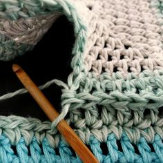 Joining Squares with Double Crochet - Tutorial ❥ 4U // hf