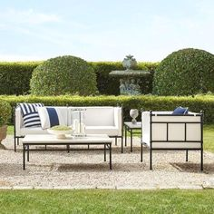 Do you like to redesign your house backyard, as much as we do? I am pretty sure, the answer is a big YES :-)  Here is a guide related with backyard design. Patio Furniture Makeover, Resin Patio Furniture, Patio Furniture Cushions, Outdoor Furniture Design, Furniture Ideas, Rustic Furniture, Antique Furniture, Nice Furniture, Furniture Layout