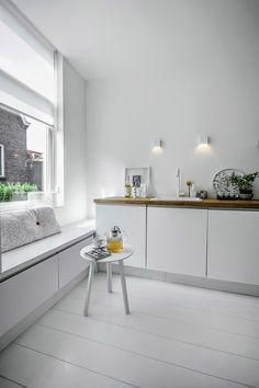 my scandinavian home: A calm white and grey apartment in Delft