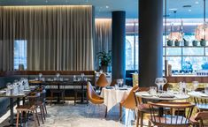 Arne Jacobsen's iconic Copenhagen hotel finally gets a makeover Copenhagen Hotel, Space Copenhagen, Copenhagen Denmark, Lobby Interior, Interior Design, Radisson Hotel, Top Hotels, Luxury Hotels, Tap Room