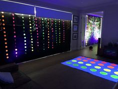 Creative clients using our UV lights to light up their creative backdrop and home made twister mat Black Light Led, Led Panel Light, Light Up, Uv Makeup, 80s Theme, Best Part Of Me, Body Painting, Photo Shoot, Bodypainting