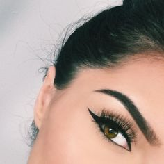 """""""Eyelashes from @_beautybymegannaik @blinkingbeaute in style No.1 ✨❤️ Liquid eyeliner schwing from @thebalm_cosmetics ✨ For waterline used they're real…"""""""