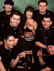 LA MAQUINA DEL TIEMPO: SELENA Y LOS DINOS (1993)