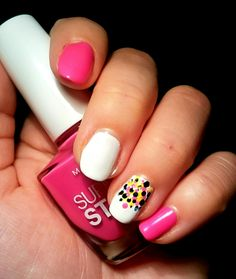 #nagle #Pink #white #dots