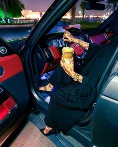 Modern Hijab Fashion, Modesty Fashion, Arab Fashion, Beautiful Eyes Images, Cute Baby Couple, Arab Swag, Abaya Dubai, Girls Driving, Stylish Hijab