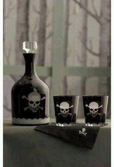 Skull drinking glasses and decanter