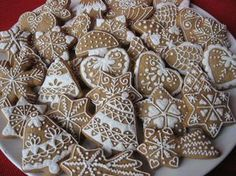 Nyomj egy lájkot,ha Te is szereted Christmas Tree Cookies, Christmas Gingerbread, Holiday Cookies, Christmas Desserts, Christmas Baking, Gingerbread Cookies, Tea Cookies, Yummy Cookies, Hungarian Cookies