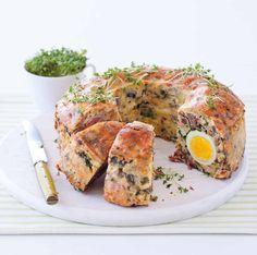 Velikonoční nádivka s vajíčky - Vepřové a uzené maso uvařte doměkka. Vyndejte, nechte zchladnout a nakrájejte na menší kousky. Vývar uschovejte.…