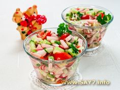 "Salad ""Romantic"" Ingredients: 200 grams of ham (or sturgeon, carbonate, ham) cherry tomatoes or 2 tomatoes 200 g cucumbers pcs. Types Of Salad, Cooking Together, Russian Recipes, Cherry Tomatoes, Fruit Salad, Salad Recipes, Potato Salad, Side Dishes, Salads"