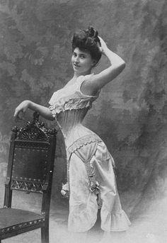 1907 - Vertus Soeurs - O corpo ideal do começo do século XX era maduro e…