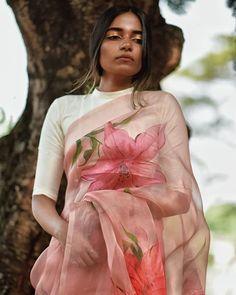 Sari Blouse Designs, Saree Blouse Patterns, Fancy Blouse Designs, Diana Penty, Dress Indian Style, Indian Dresses, Ethnic Outfits, Indian Outfits, Indian Clothes