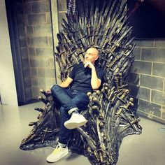 Dad got on the #ironthrone today. Going to try get myself involved. #skyironthrone
