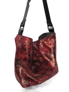 Bucket bag, Shoulder purse Snake skin (faux)