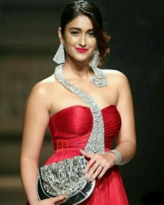 Ileana dcruz hot sexy unseen latest cute images and body show navel pics with big cleavage photos Bollywood Photos, Indian Bollywood Actress, Bollywood Style, Tamil Actress, Hollywood Actress Name List, Hollywood Actresses, Sonam Kapoor, Deepika Padukone, Goa