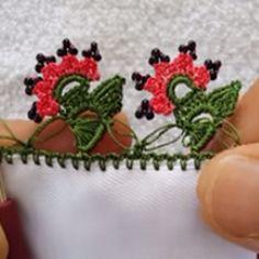 HUZUR SOKAĞI (Yaşamaya Değer Hobiler) Kare Kare, Creative Embroidery, Crochet Mandala, Tassels, Diy And Crafts, Coin Purse, Flowers, Jewelry, Design