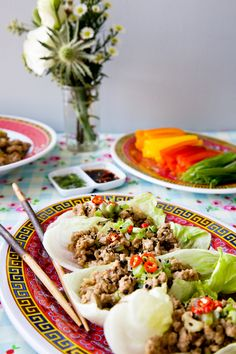 These gluten free turkey lettuce wraps are so delicious and healthy! | tartine and apron strings
