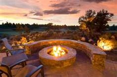 Did you want make backyard looks awesome with patio? e can use the patio to relax with family other than in the family room. Here we present 40 cool Patio Backyard ideas for you. Hope you inspiring & enjoy it . Diy Fire Pit, Fire Pit Backyard, Backyard Patio, Backyard Landscaping, Fire Pits, Backyard Seating, Backyard Ideas, Patio Ideas, Landscaping Ideas