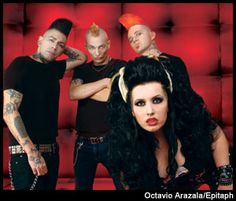 psychobilly hair.. love the HorrorPops. Kim is such a nice guy!