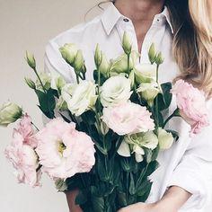 Fresh flowers for Spring May Flowers, Flowers Nature, Fresh Flowers, Beautiful Flowers, Deco Floral, No Rain, Planting Flowers, Floral Arrangements, Wedding Flowers
