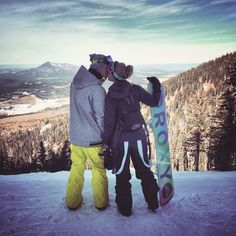Snowboarding couple, just like  me and my husband ♥